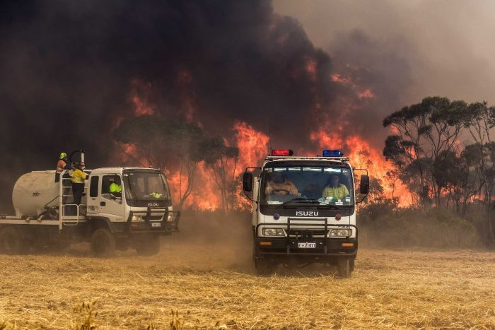 PHOTO: A major bushfire claimed four lives near Esperance in 2015. (Supplied: Department of Fire and Emergency Services)