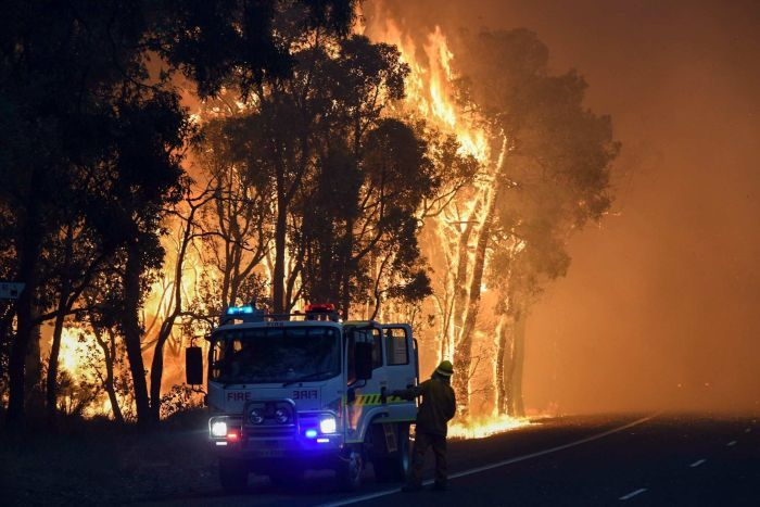 PHOTO: Two people perished in the Yarloop bushfire in 2016, WA's last major fire. (AAP/DFES)